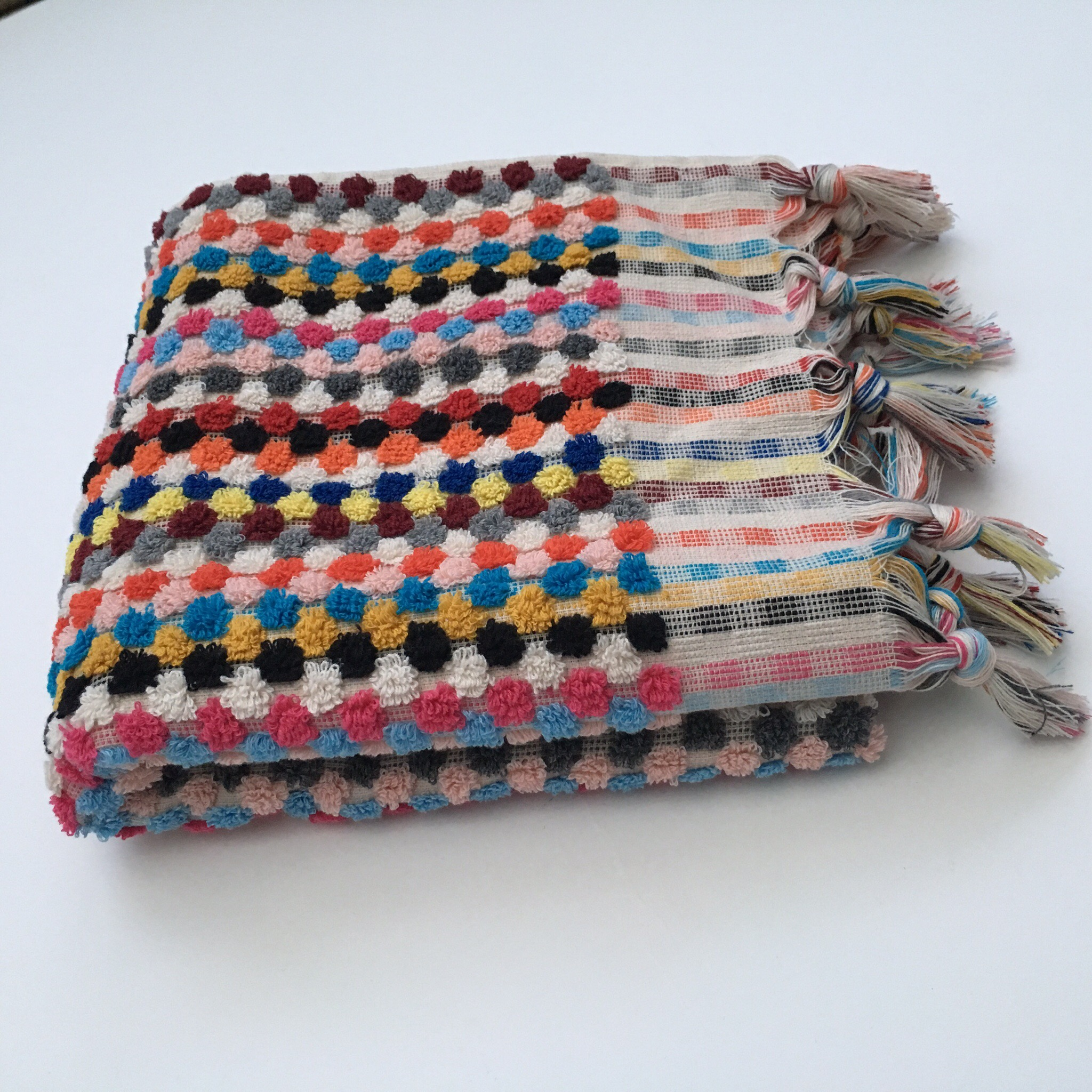Hand Towel Multi Coloured Dotted Pattern With Tassels 100